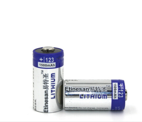 the new 2pcs lot etinesan 1500mah lithium cr123a 3v photo lithium primary battery el123a cr17345. Black Bedroom Furniture Sets. Home Design Ideas