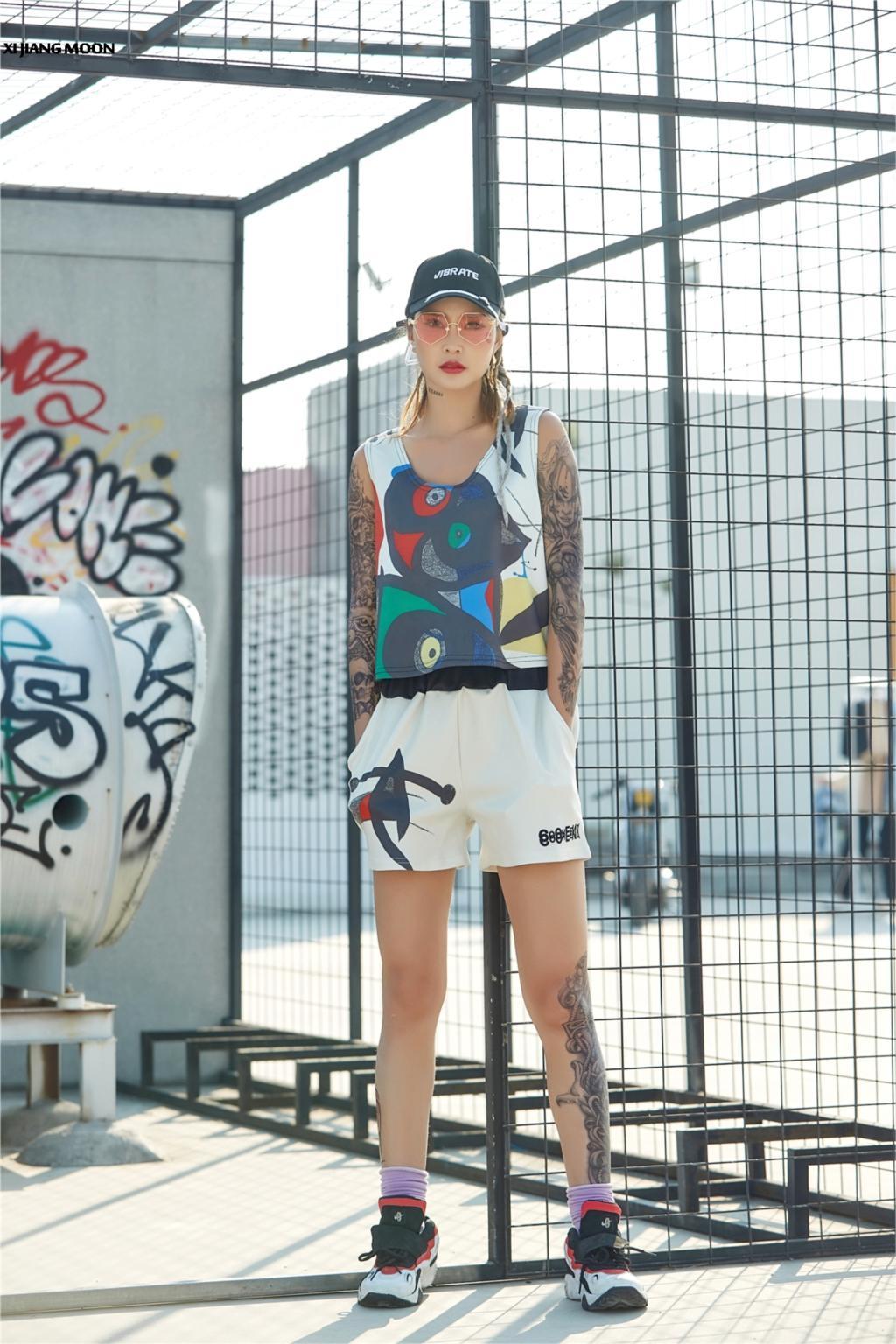 Sommer Trainingsanzug Für Frauen Mode Plus Größe Hip Hop Straße Harajuku Skateboard Lose Graffiti Street Dance Kurze Sets F418 Modische Muster