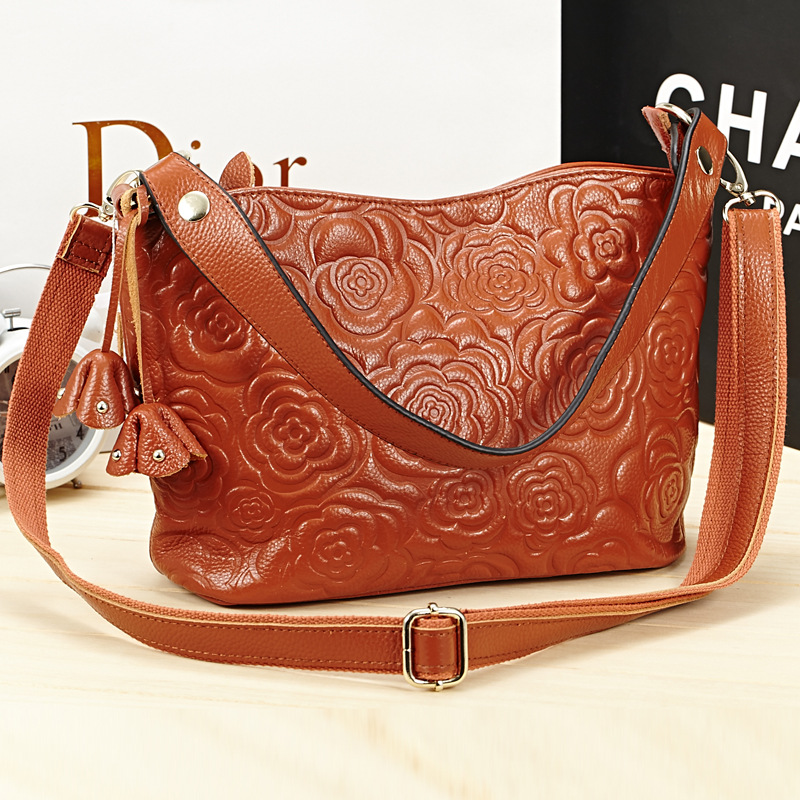 Guaranteed 100% Natural Genuine Leather Women Handbag First Layer Of Cowhide Tote Fashion Women Messenger Bags Rose pattern 2017 new female genuine leather handbags first layer of cowhide fashion simple women shoulder messenger bags bucket bags