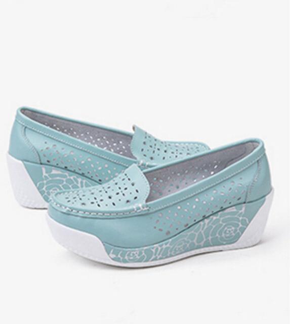 [C] 2017 Novas Mulheres Sapatos de Couro Sapatos Respirável Oco Da Asa Balanço Sapatos Plataforma Cunha. SPP-906