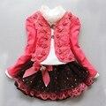 2016 nueva moda niños ropa de las muchachas florales visten de traje los niños cordón de la princesa tres conjunto primavera otoño niñas visten juego
