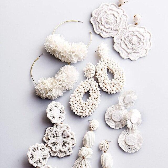 Dvacaman весенние белые большие серьги для женщин 2019 модные бусины Цветок хлопок кисточки бахрома Висячие серьги Свадебные украшения