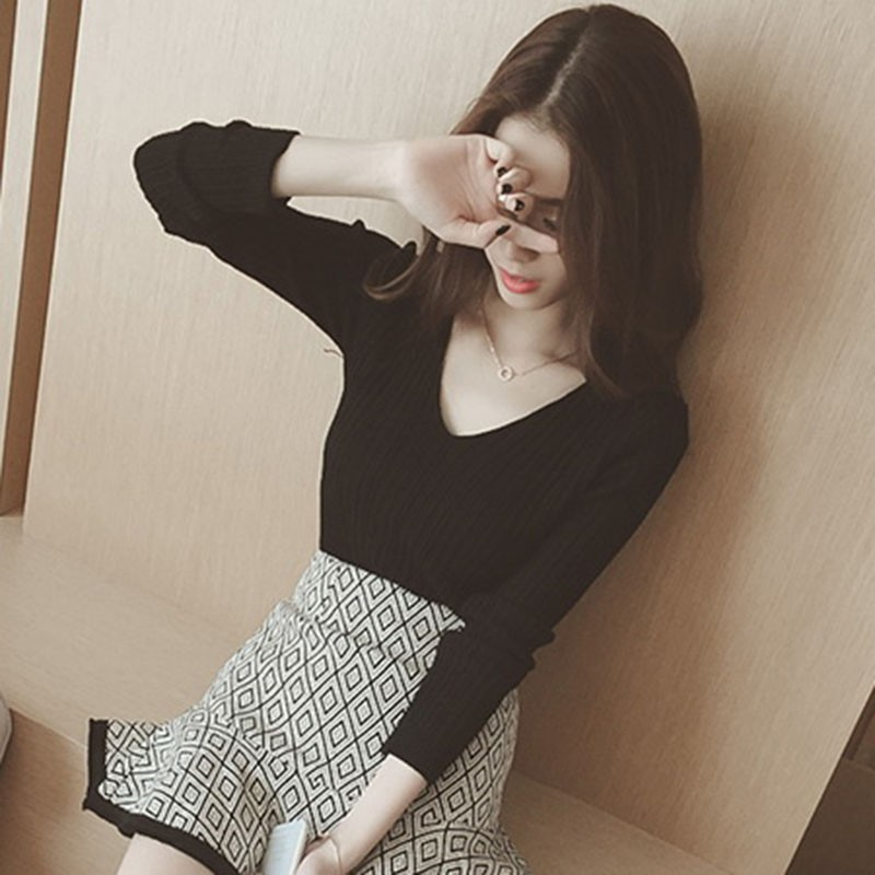 Latest Black White Women Tops Solid stripes women's shirts V-Neck Spring Autumn Winter Knitted Long Sleeve Fashion T-shirt