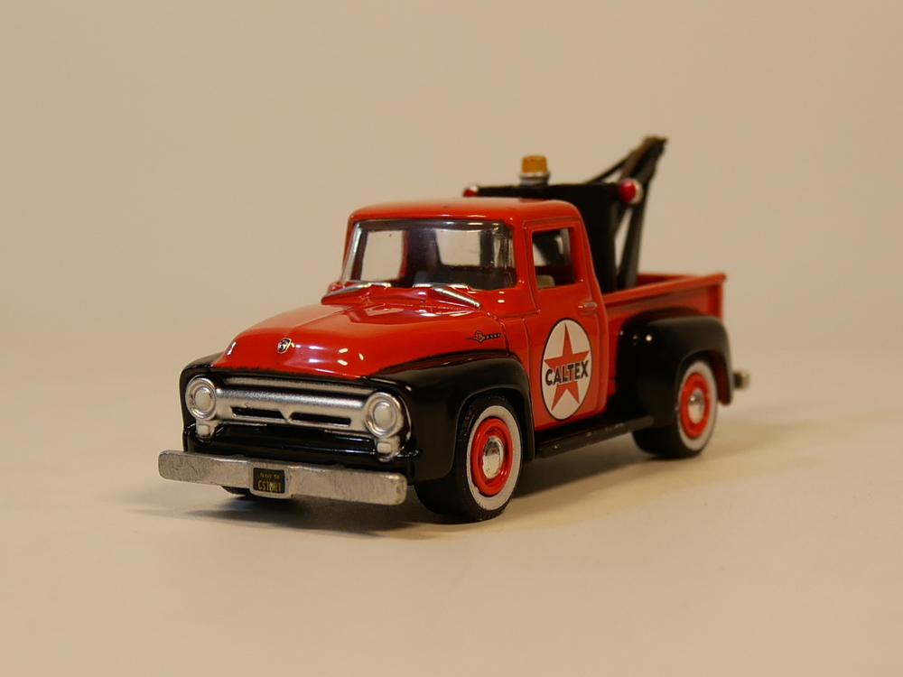 Auto Inn Greenlight   Ford F  Road Rescue Vehiclecast Model Car
