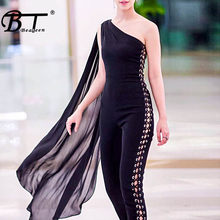 Beateen ผู้หญิง Jumpsuits หนึ่งไหล่ Hollow OUT Batwing แขน Romper (China)