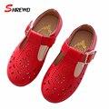 Kids Shoes Девушки Весной 2017 Новая Мода Полые Pattern Девушки Кожа Shoes Solid Color Kids Shoes Insole 16-18.5 см 9613 Вт
