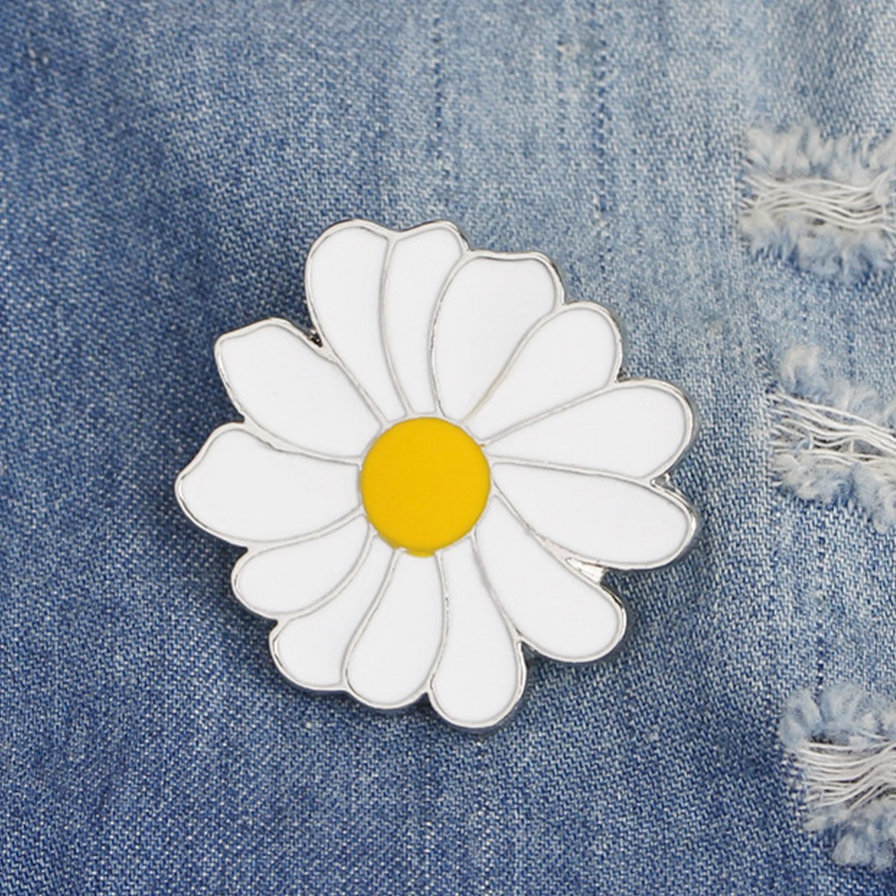 Chrysanthemum Enamel Pins and Brooches Daisy natural plant badge brooch suit hat clothes for girls clean yellow flower #276245