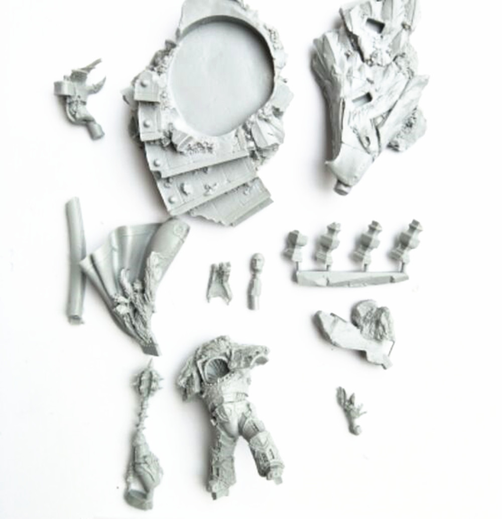 Unpainted Resin Figure Model Kit For Horus Lupercal The Warmaster, Primarch Of The Sons Of Horus Unassemble fulgrim primarch of the emperor s children