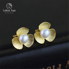 hot deal buy fresh clover stud earrings with natural pearls. special original design by handmade. 2 colors.genuine 925 sterling silver. bijou