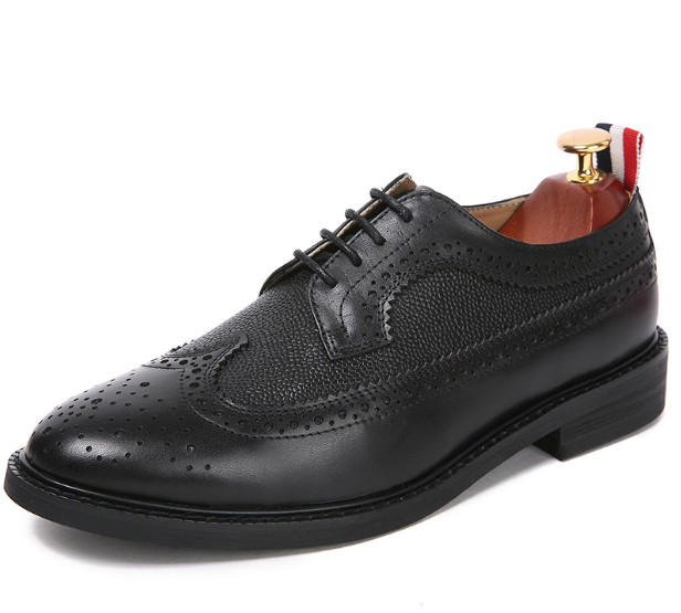 Men Fashion Round Toes Black Carved Flat Comfortable Brogue Shoes Male Lace Up All Season Casual Leather Dress ShoesMen Fashion Round Toes Black Carved Flat Comfortable Brogue Shoes Male Lace Up All Season Casual Leather Dress Shoes