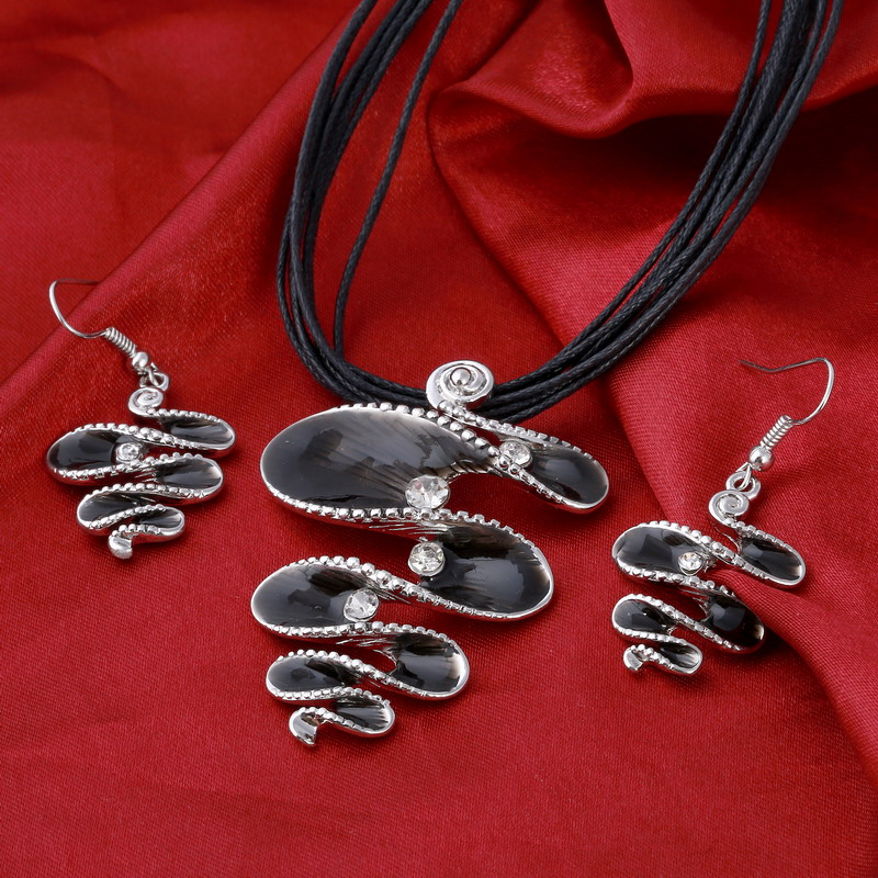 MINHIN Classic Jewelry Set Fashion Spiral Design Antique Silver Pendant Rope Necklace Sets Wholesale Charm Jewelry Set