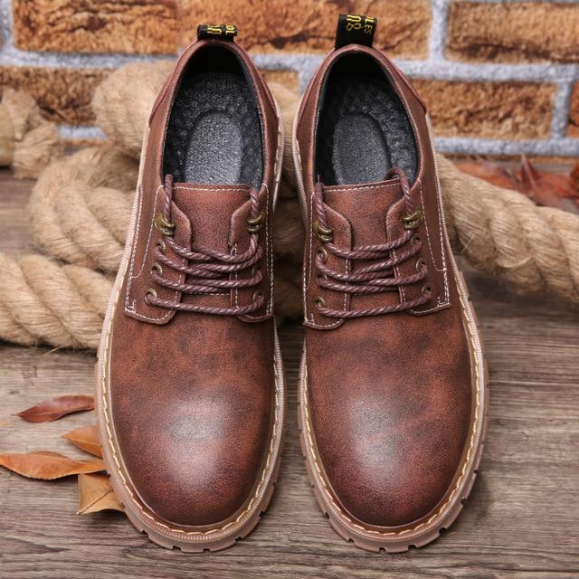 נעלי אופנה מגמת קוריאני בריטי גברים נעלי אביב סתיו קיץ עור לנשימה שטוח עסקי נעליים יומיומיות גברים hjm67
