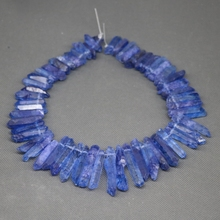Approx 50pcs/strand Natural Raw Sapphire Blue Quartz Crystal Point Pendant Rough Top Drilled Spike Gem Beads Crystal Necklace