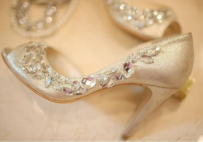 5159f77e36a43b 2018 Handmade Peep Toe Champagne Rhinestone wedding shoes for women Dress  Sandals Party Evening Shoes Shoes size34 to 43-in Women s Pumps from Shoes  on ...