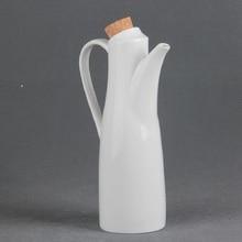 Guci Creative kitchen supplies ceramic sauce seasoning  pot bottle with handle curly gentleman