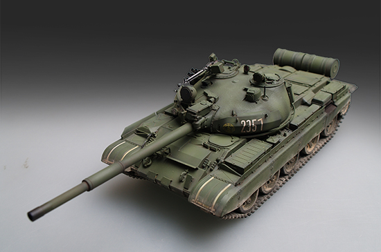 Model 1/72 Russian T-62 BDD 1984(1972 modified) tank toy Assembly modelModel 1/72 Russian T-62 BDD 1984(1972 modified) tank toy Assembly model
