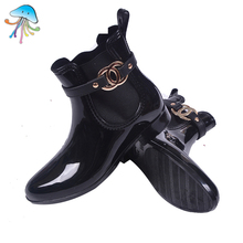 2016 New Series of High-end Boutique Waterproof Non-slip Lightweight Flat Heel Comfort Soft Walking Rain Bootsfor Women