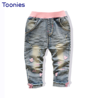 2017 Pantalones Vaqueros de Los Niños Ropa Niños del Otoño Skinny Jeans Kids Baby Girl Pantalones Lindos de la Historieta de Lavado Con Agua de Mezclilla Pantalones mediados