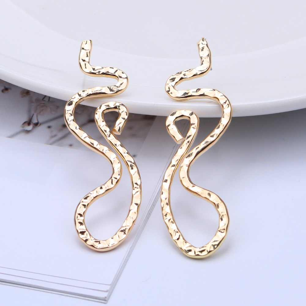 EK399 European Exaggerated Simple Dragon Snake Shape Hollow Flower Metal Earrings Irregular Geometric Drop Earrings for Women