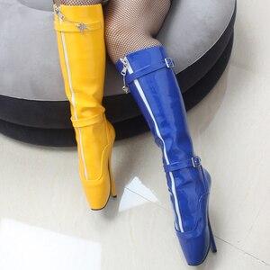 Image 5 - Jialuowei 2018 nowy przyjeżdża 18CM ekstremalne szpilki Sexy fetysz Goth balet buty PU Patent Zip pasek z klamrą kolana wysokie długie buty