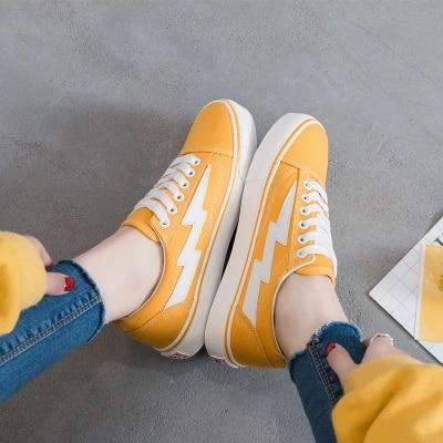 цена на brand 2018 new lightning shoes Korean version of the wild street Harajuku canvas shoes brand