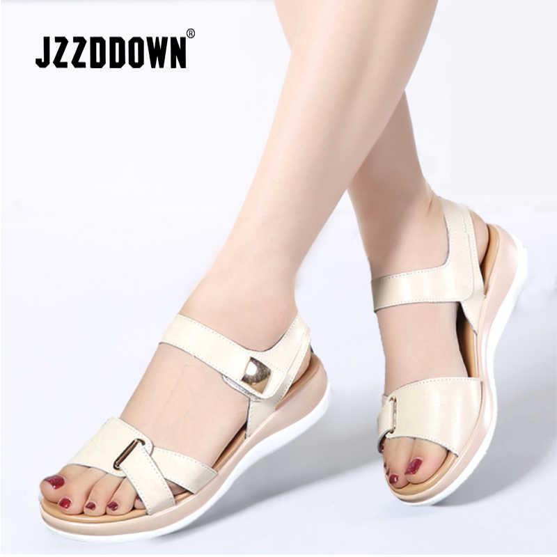 Sandalias de mujer zapatos de cuero genuino para mujer 2018 sandalias de playa de verano Sandalias planas casuales Flip Flop zapatos de gladiador blanco calzado de moda