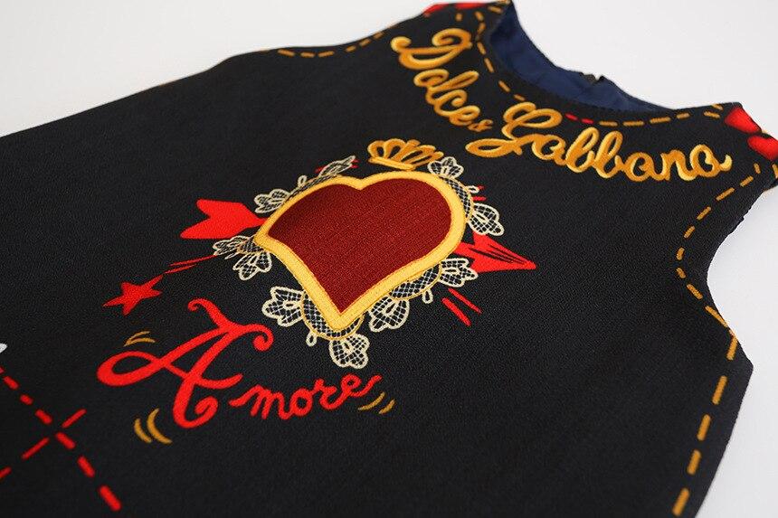 7b25d341a1d31 Everweekend Filles Lettre Coeur Imprimer Robe Belle Enfants Noir Couleur  Vêtements Mignon Bébé Western Mode Automne Parti Vêtements dans Robes de  Mère et ...