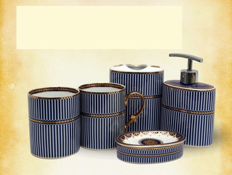 אירופאי מפואר כלי סניטריים סניטריים חמישה חלקים חליפה שירותים לשטוף לשטוף גרגר כוס + בקבוק קרם + צלחת + בעל מברשת שיניים