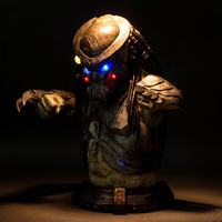 Alien vs Predator Statue AVP Predator Bust Scar Predator 1:1 (LIFE SIZE) Half Length Photo Or Portrait with LED Light Resin Toy