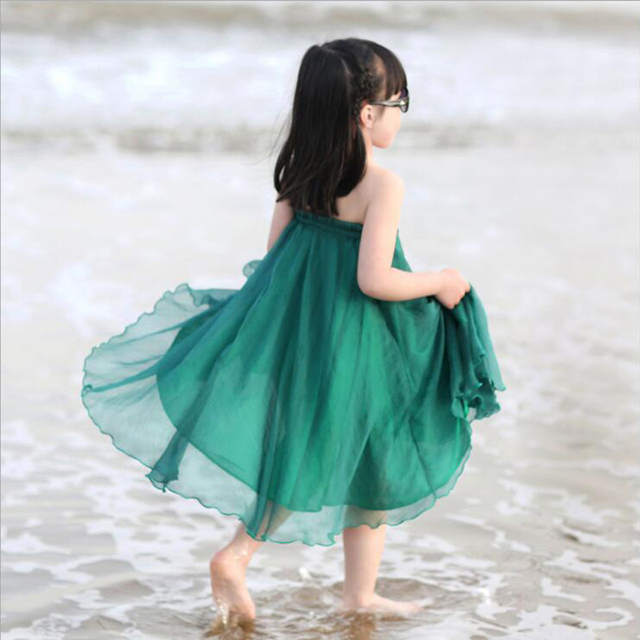 Baby girl summer skirts child fashion strapless skirt 3-14 years girl holding her full-skirted green beach skirt summer clothing