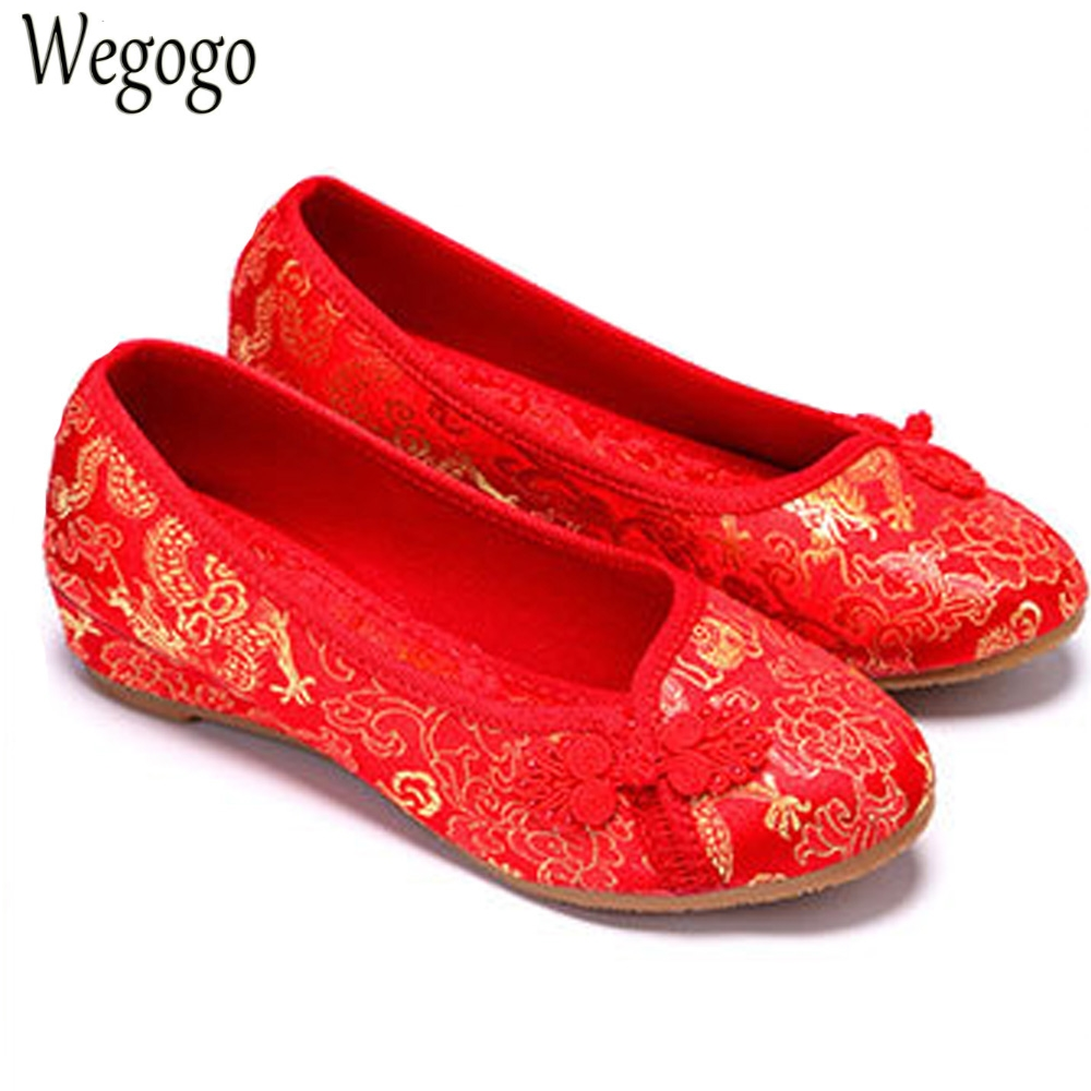 Women Bride Flats Old Beijing National Single Shoes Chinese Wedding Shoes Dragon Phoenix Embroidery Ballets For Cheongsam women flats old beijing floral peacock embroidery chinese national canvas soft dance ballet shoes for woman zapatos de mujer