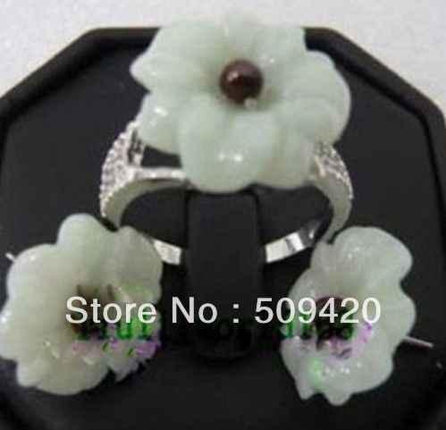 จัดส่งฟรีขายส่ง >>> คลาสสิกเงินชุบสีเขียวหยกหินช็อกโกแลต Pearl Lady สร้อยคอต่างหู