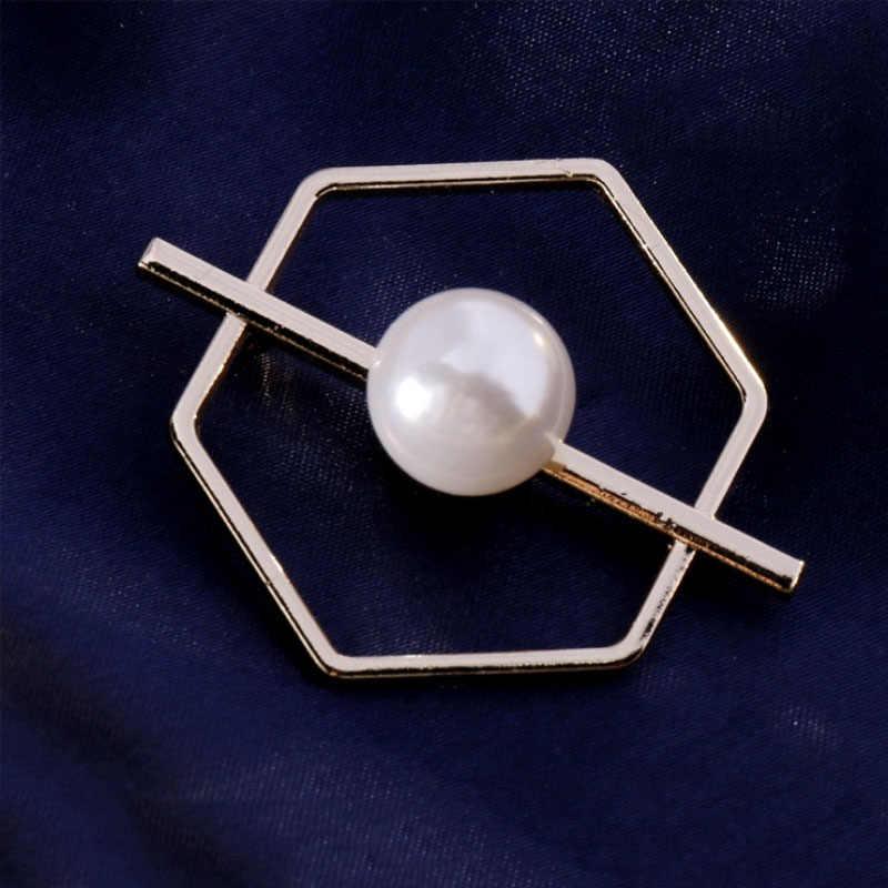 Hexagonal Geometris Mutiara Tetap Pakaian Bros Wanita Mantel Selendang Cardigan Syal Sweater Gesper Bros Pin Perhiasan Aksesoris