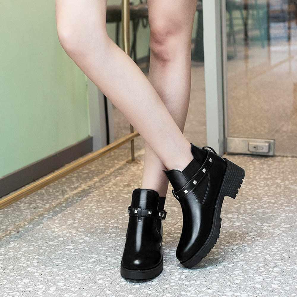 Retro Gesp Klinknagel Vrouwen Winter Laarzen Slip Op Vrouwen Causale Enkellaarsjes solid Platform Schoenen Vrouw Ronde Neus Klimplanten laarzen