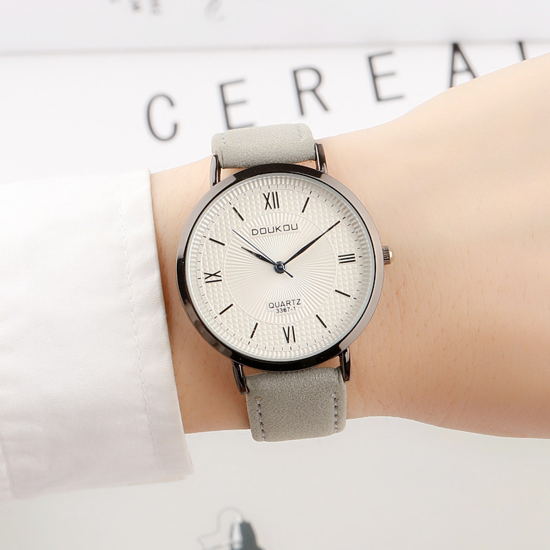 New Leisure retro Women Men Lovers watch Luxury Brand Watches Quartz Clock Fashion Leather belts Watch Sports Wristwatch relogio