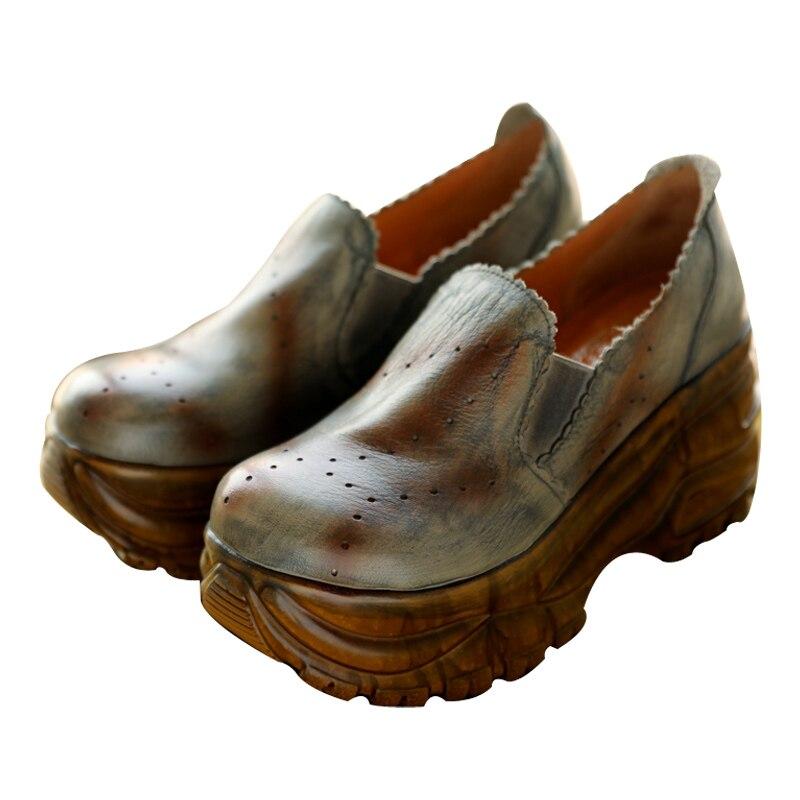 Zapatos de mujer gruesos de cabeza redonda de cuero de nueva moda de primavera