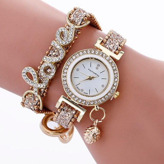 Montres Quartz élégante avec bracelet Montres Bella Risse https://bellarissecoiffure.ch/produit/montres-quartz-elegante-avec-bracelet/