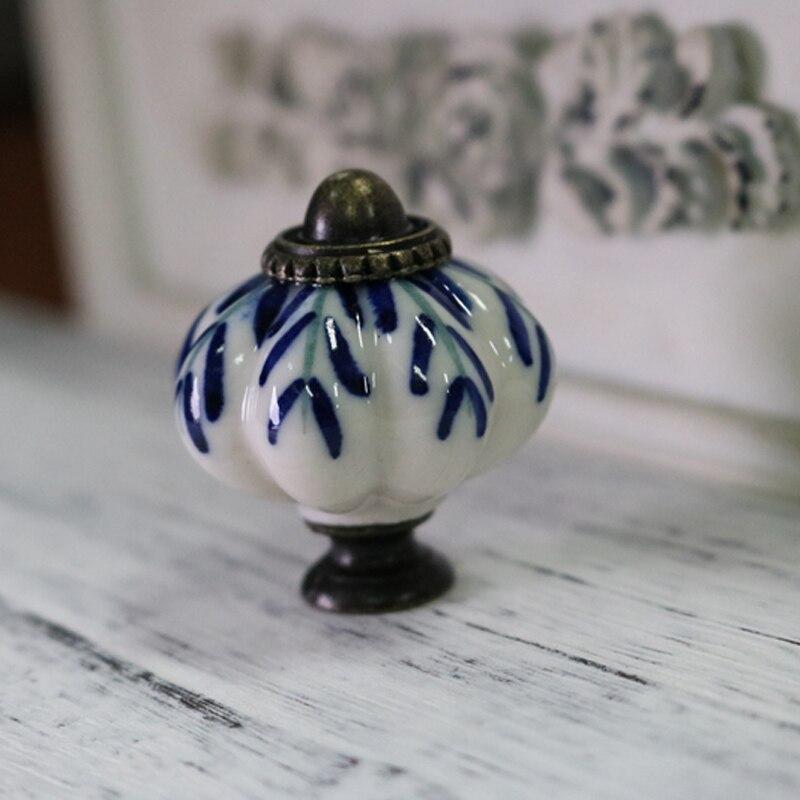 8x poignees de meuble vintage en porcelaine bleue et blanche en ceramique pour porte placard tiroir de cuisine