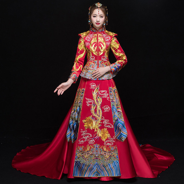 316caa8a4 Bride Cheongsam Vintage Chinese Style Wedding Dress Retro Toast Clothing  Lady Embroidery Phoenix Gown Marriage Qipao