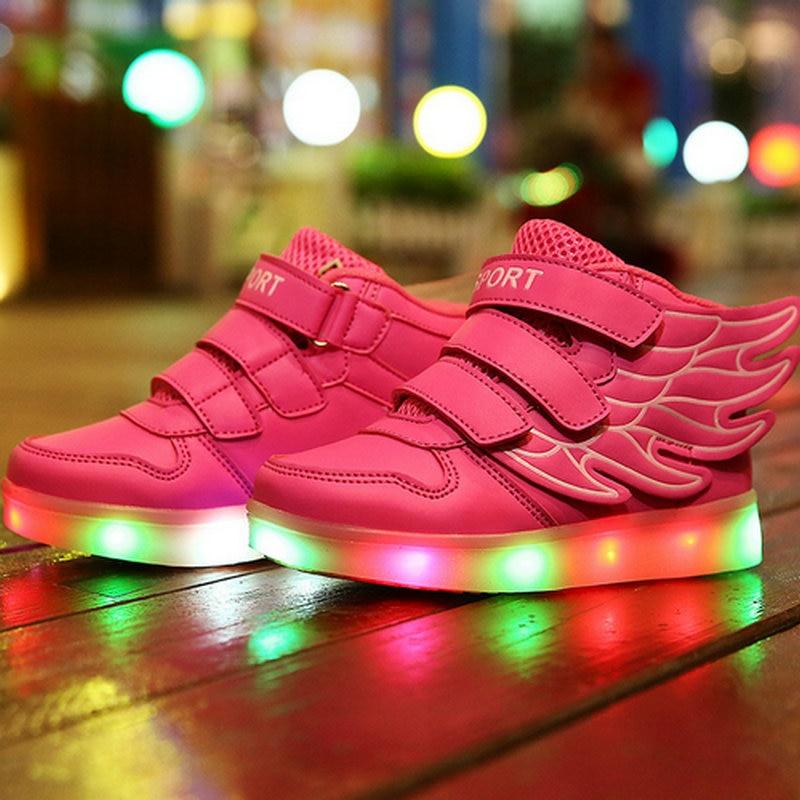 2018 Nouveau USB Charge Lumineux Rougeoyant Filles Garçons Enfants Sneakers Lumineux LED lumières Enfants Chaussures Casual Chaussures Sport chaussures de Course