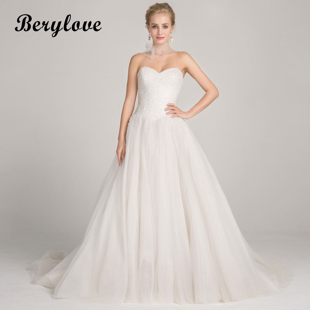 BeryLove Shinning White Ball Gown Wedding Dresses 2018 Long Sweetheart Beading Wedding Gowns China Women Styles Wedding Gowns