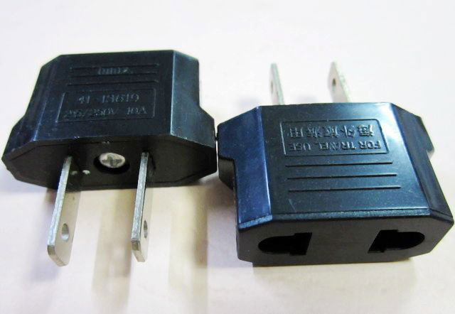 3pcs/lot Universal Travel Power Plug Adapter EU EURO to US Adaptor Converter AC Power Plug Adaptor Connector