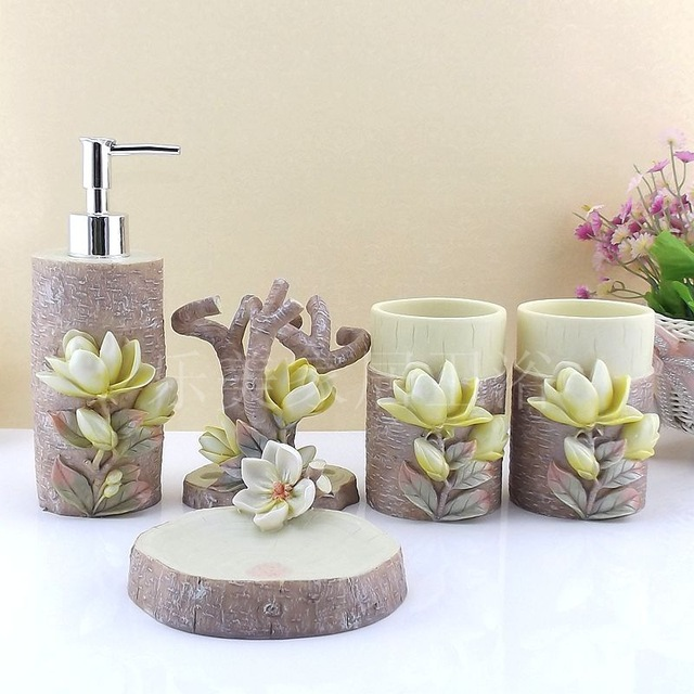 5 Pcs Classic Ceramic Bathroom Accessories Set Concise Style Bathroom Suite Ceramic Wash Supplies For Wedding Gift