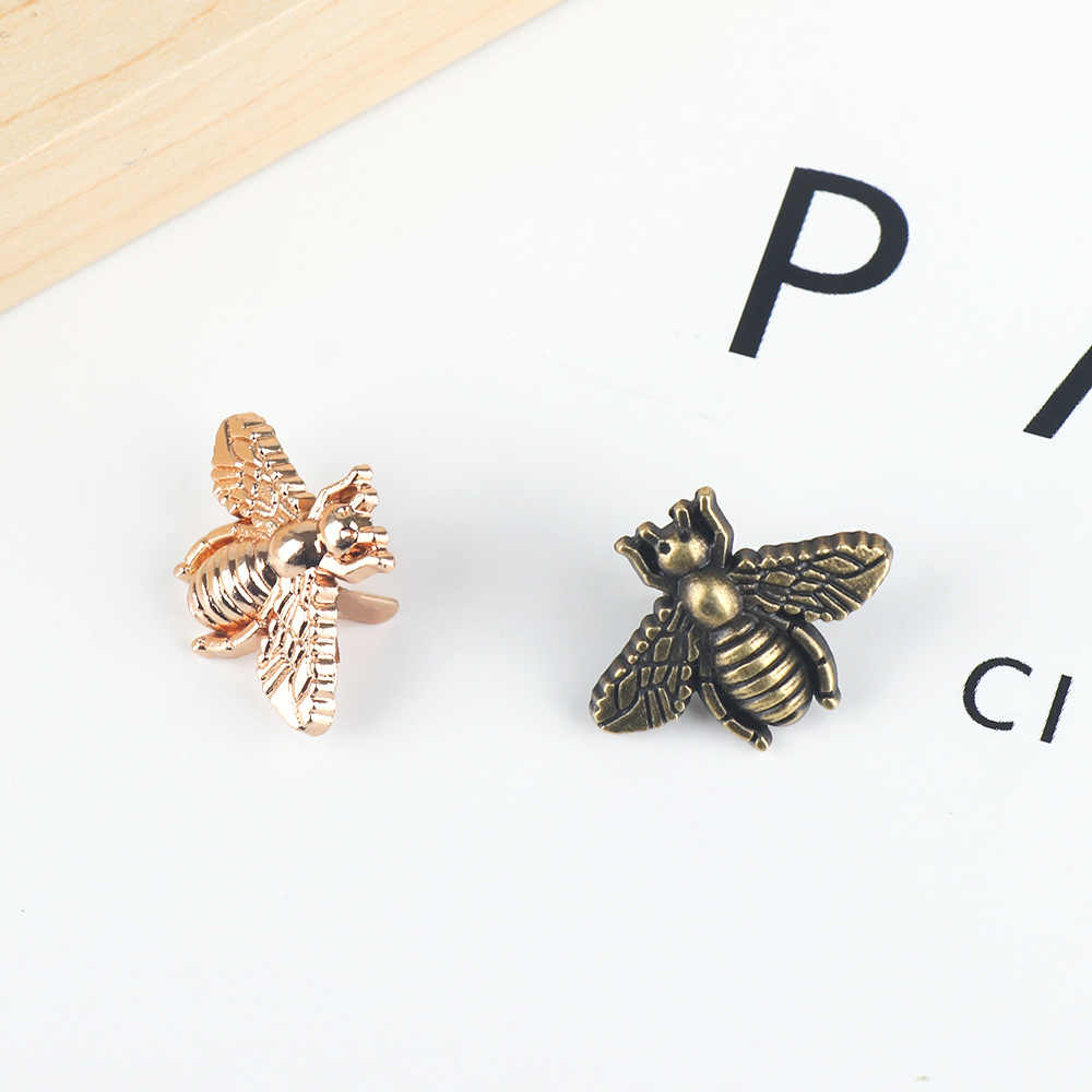 2019 New Exquisite Metallo Ape Animale Della Borsa di Abbigliamento Decorazione del Tasto DIY Del Mestiere del Panno Bag Patch di Ferramenteria e attrezzi Accessori Borsa