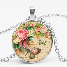 LETS SLIM New Retro Beautiful Accessories Alloy Hot Sale Rose Butterfly Time Glass Pendant Necklace Family Photo Private Custom