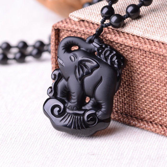 Elaborate Chinese collection Obsidian elephant jades Auspicious Amulet Necklace Pendant