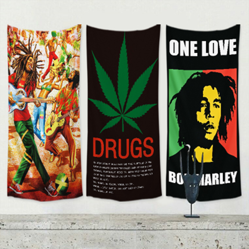 Adattabile Bob Marley Reggae Giamaicano Rock Musica Poster Bandiera Banner Autoadesivo Della Parete Di Arte Del Panno Appeso Pittura Arazzo Bar Cafe Decorazioni Per La Casa