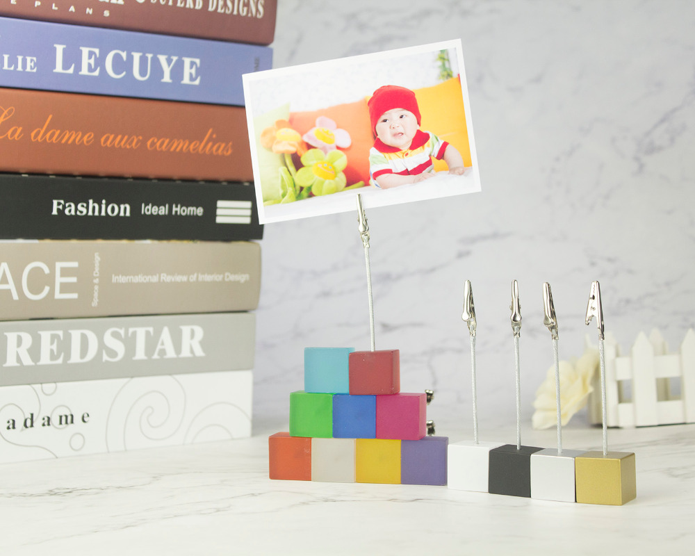Купить с кэшбэком Color Cube Stand Alligator Wire Photo Clip,Memo Card Holder,Table Wedding Party Place Favor,Customized Gift Note Clamp