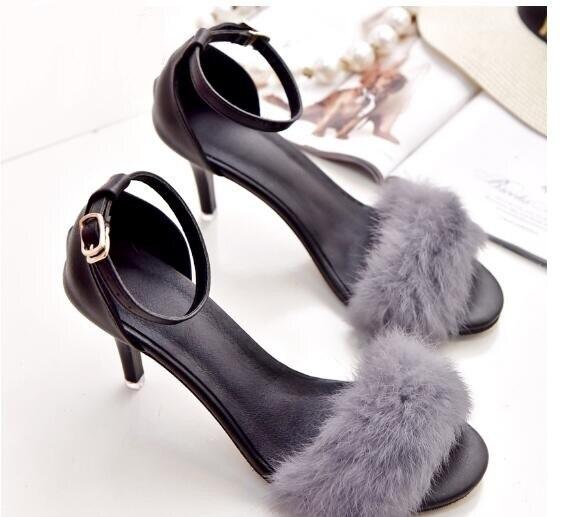 2017 Fur Sandals Fashion White Black Sample Designer New Arrival Cover Heels Hottest Selling Buckle Strap Summer Women Sandals шлепанцы hurley sample phantom sandals rifle