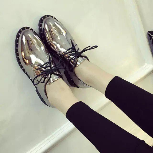British Style Rivet Side Shoes Autumn And Winter For Women Patent Leather Lace Up Girls Oxford Rhinestone Mental Color Mujer